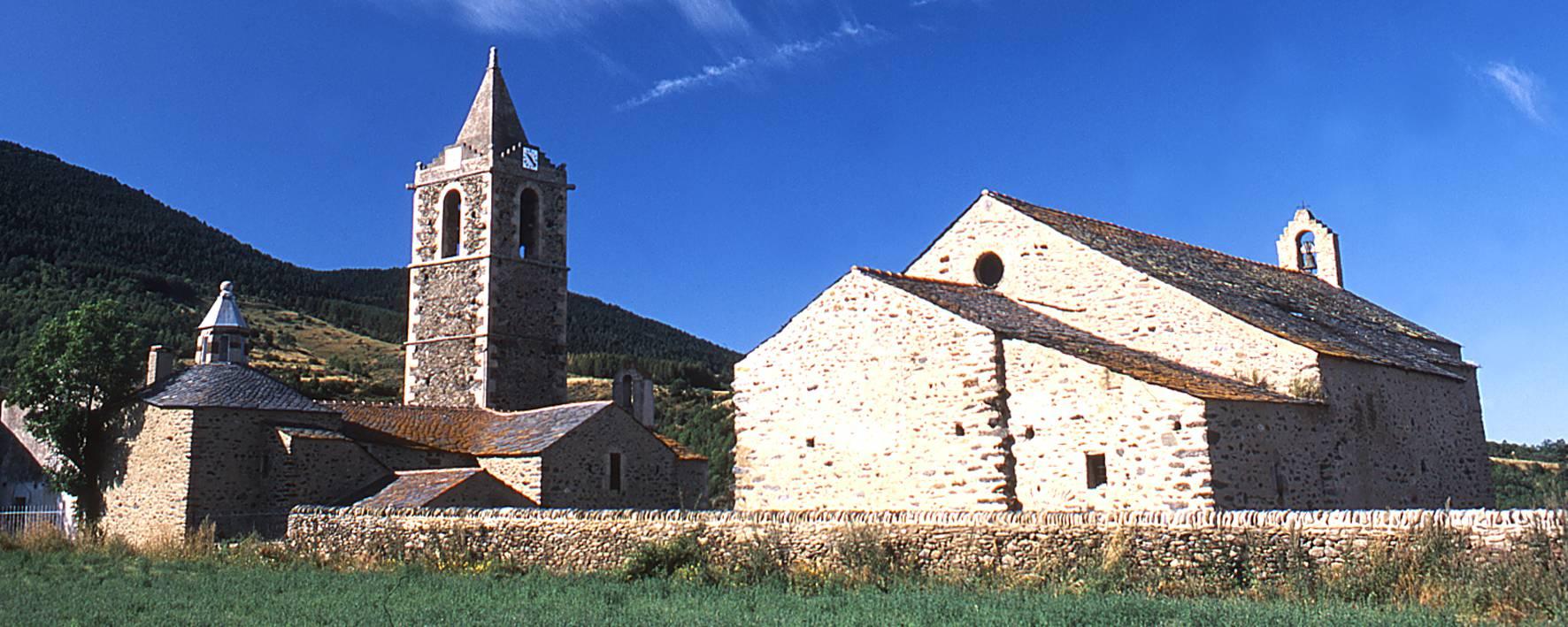 Eglise paroissiale et chapelle d'Err en Pyrénées Cerdagne