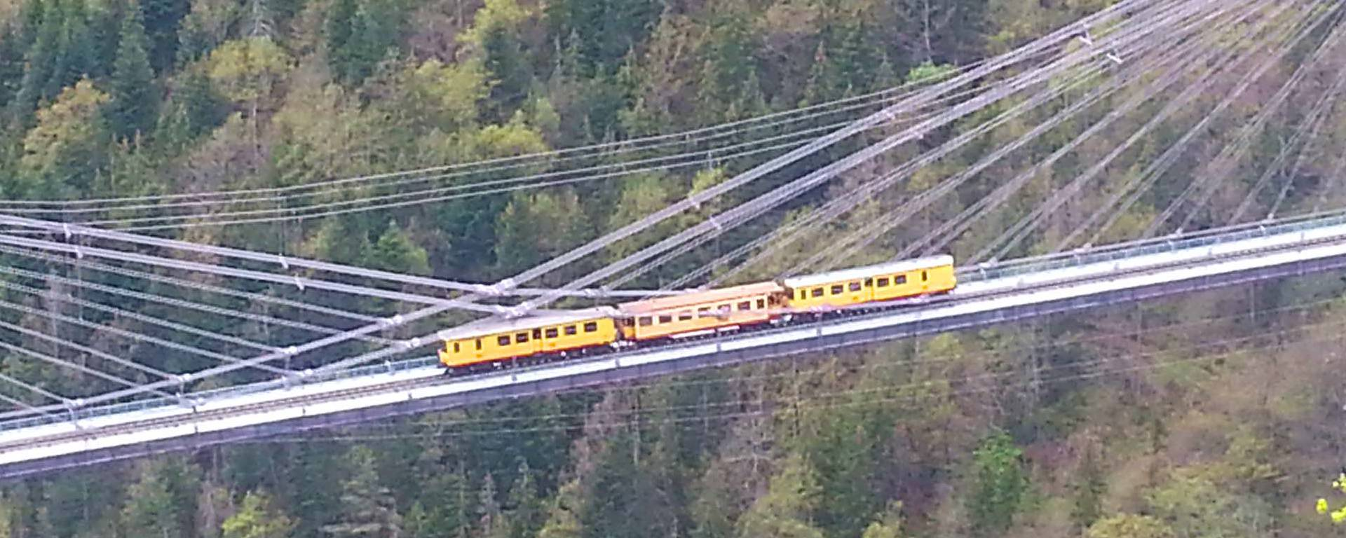 Le Train Jaune sur le pont de Gisclard © F. Berlic