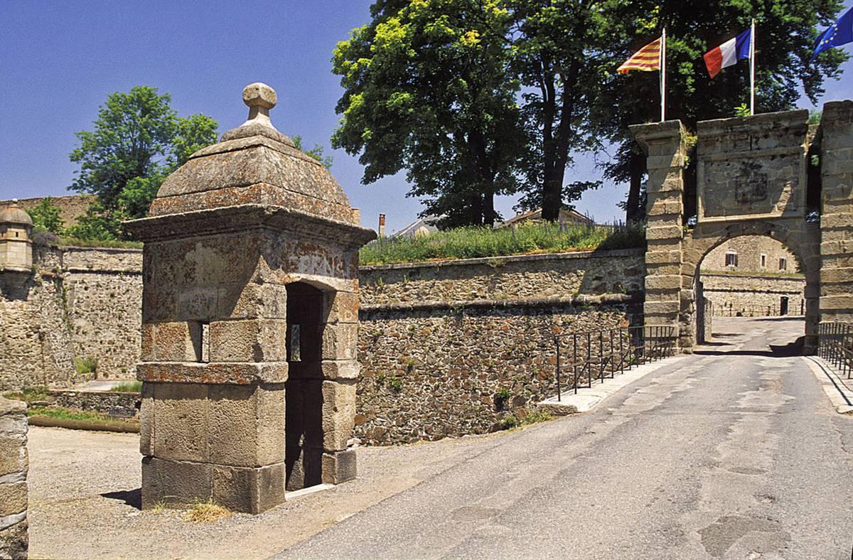 La ciudadela de Mont-Louis   Pyrénées Cerdagne Tourisme