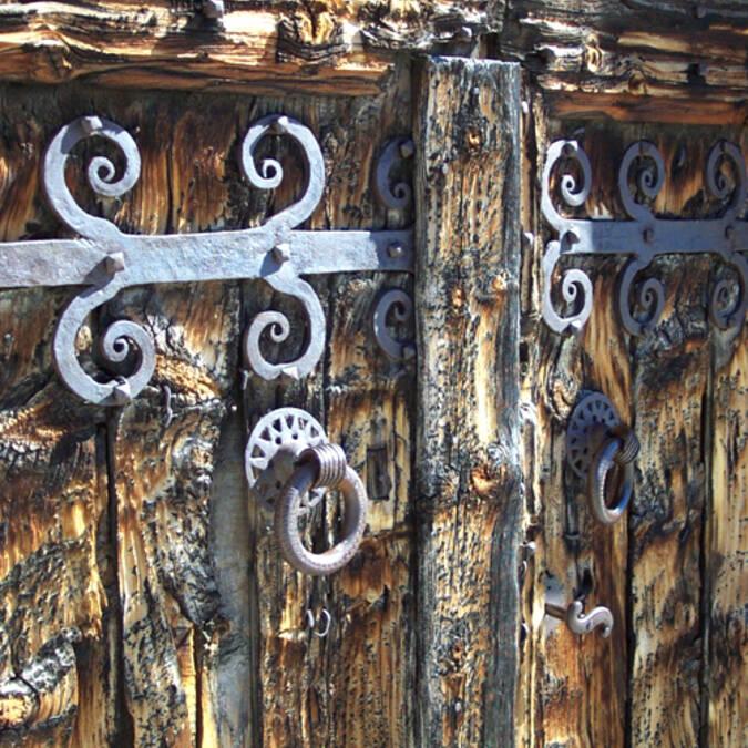 Détail de porte d'église