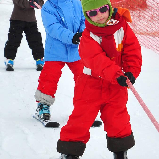 Les enfants à la neige © F. Berlic